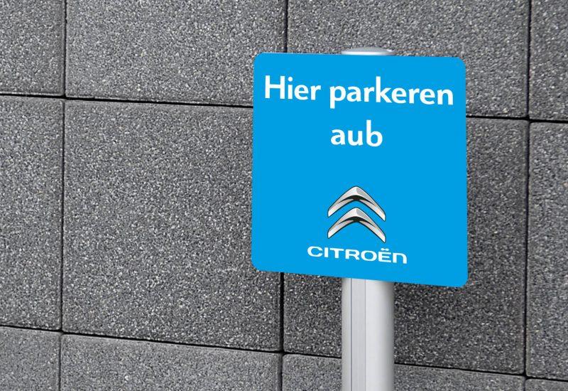 parkeerbord op staander